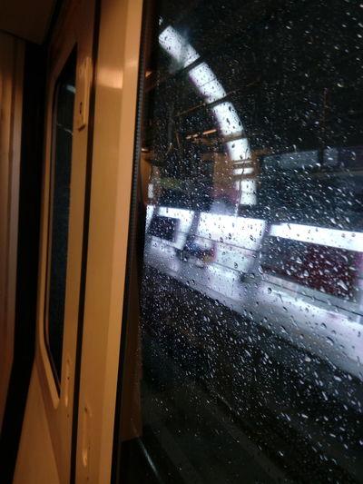 Metro Metro Station Metro Reaching Platform Rain Rain Drops On Window Rain Drops On Metro Door Glass Rain Drops Mobilephotography