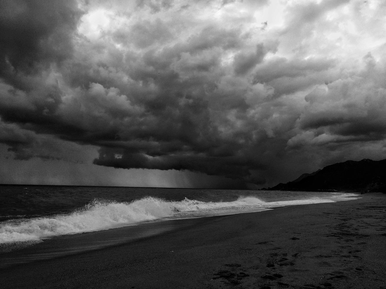 Storm incoming... Beach Sea Cloud - Sky Nature Storm Cloud Water Blackandwhite Monochrome Panorama Sky_collection Skyporn Black And White Black & White Bw_lover Bw_collection NEM Black&white EyeEmbnw