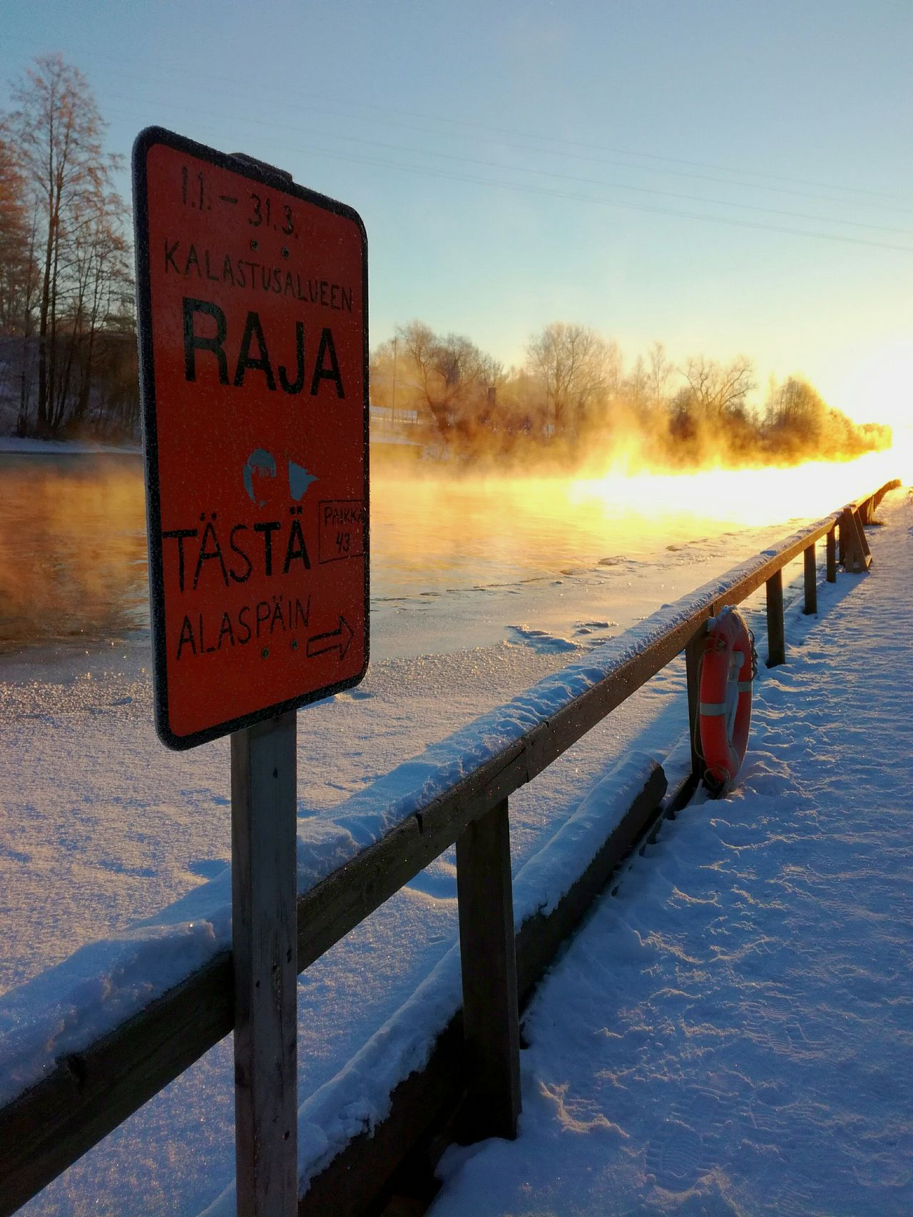 Cold Temperature Sunrise Sky Nature Winter Beauty In Nature Water No People Outdoors Signboard Life Saver Pier Wintertime Morning Misty Morning Frozen River Winter Sun Ice River Kotka, Finland Beauty In Nature Sun Light And Shadow Tranquil Scene Instructions