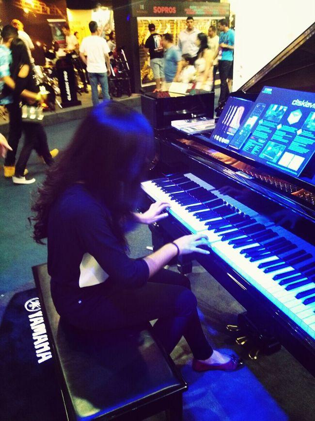 Se eu to perdida com um piano que toca sozinho, imagina na vida. Expo2015 Expo Music Calordemais Sabadao