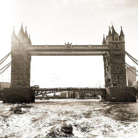 Architecture Bridge London Monochrome Photooftheday Picoftheday Thames Londonlife Towerbridge Instagood Instalike Igerslondon Lovelondon Thisislondon Ig_london Ig_britishisles Ukpotd Architecture_london London_enthusiast Londonwanderings