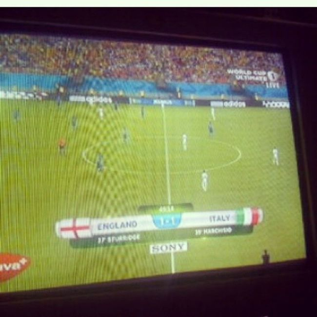 Akhirnya dpt kg TV kabel viva+ england vs Italy 1-2 Latepost Worldcup2014 Worldcupmoment Younglic_alfgil englandvsitaly