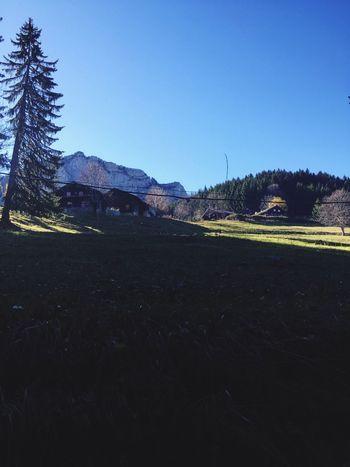 Et dans les montagnes Enjoying Life