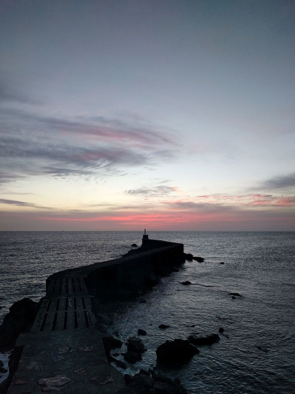 Hacia el mar Sea Cloud - Sky Horizon Over Water Beach Outdoors No People Beauty In Nature Sky Day Sunset Showcase March Photooftheday Photo Landscape Tranquility Foto