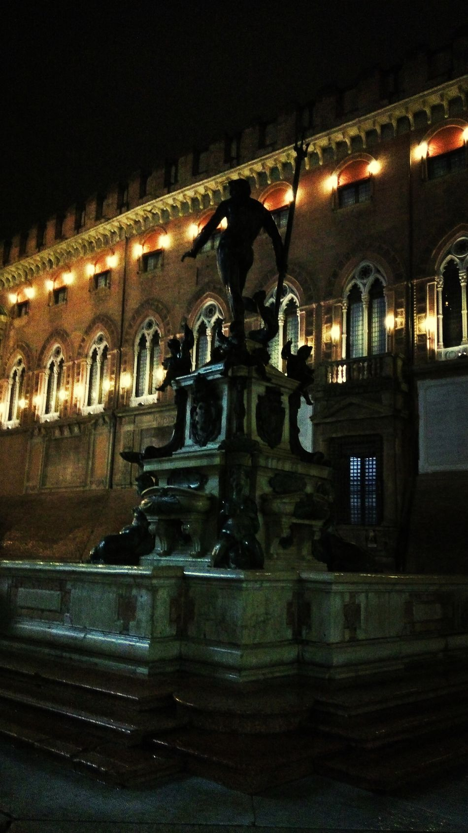 Nocturn Neptunus Bologna, Italy Nightphotography Historical Sights Discover Your City