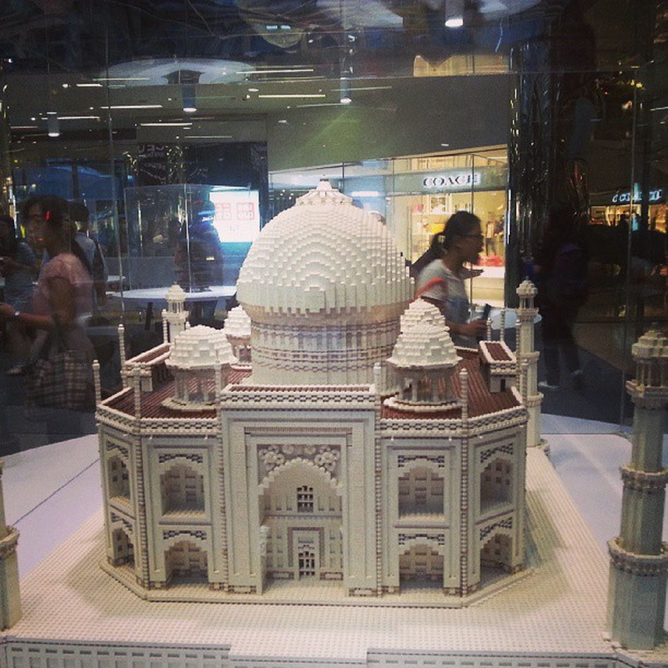 A LEGO World Amazing HongKong Travel Tajmahal