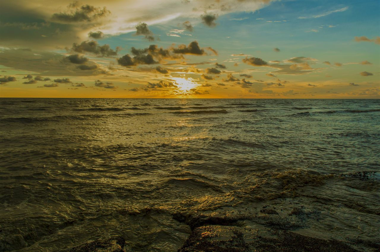 sea, sunset, water, nature, beauty in nature, horizon over water, scenics, tranquil scene, tranquility, sky, idyllic, cloud - sky, outdoors, beach, no people, day