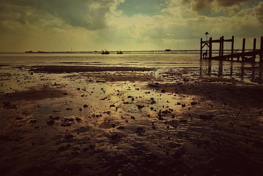 When the tide rolls out. Landscape Nature Seaside Southend On Sea Sea And Sky British Seaside Southend Sky Skyscape Clouds Clouds And Sky Seascape This Is Britain Sea View Sea Showcase April