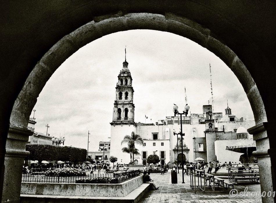 Y los recuerdos siguen presentes, como presenté vivirás en mi corazón... #OldPicture Recuerdos Guanajuato Leon