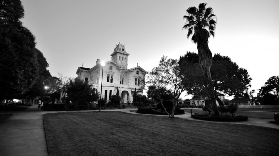 Bnw_friday_eyeemchallenge Sundown @ Meeks Mansion 3 Cherryland, Ca. Built By William Meek Built 1869 Architecture : Victorian Italian Villa 23-27 Rooms National Register Of Historic Places 1972 Originally 3000 Acres Agricultural Farmlamd Of Orchards Crops: Cherry,apricots,plums & Almonds Grounds Include Carriage House & Gazebo HARD: Hayway Area Recreation Park District Now Owns & Operates For Public Use Weddings,tours,museum,workshops,garden Black & White Black And White Black And White Collection  Black And White Photography