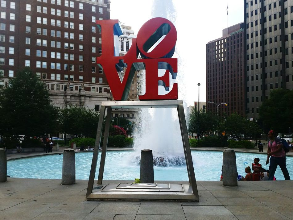 Love Park Philadelphia Philly A Walk In The City Hanging Out Taking Photos Check This Out Enjoying Life City Lovewins