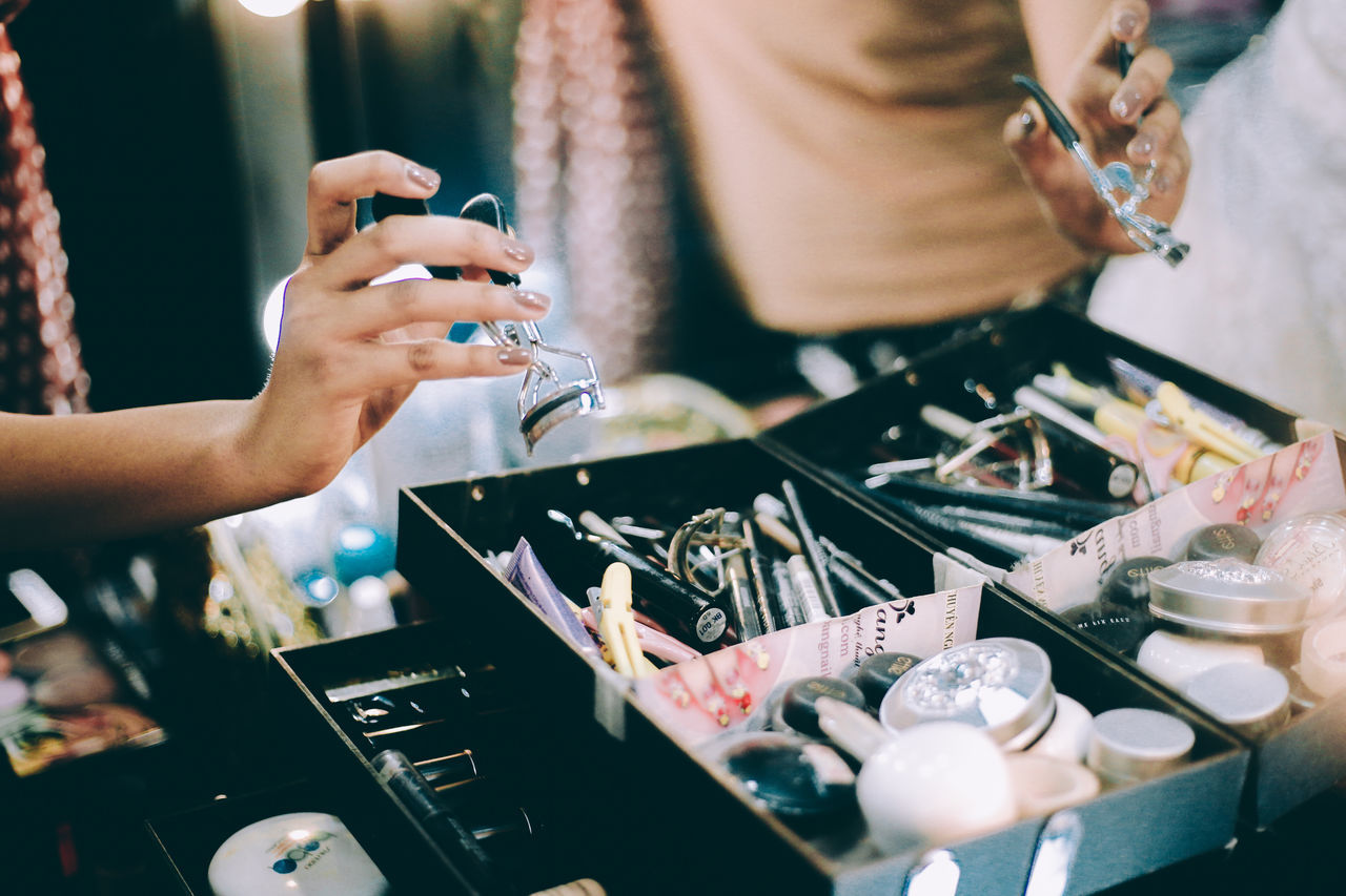 Accessories Backstage Beauty Celebrity Close-up Day Girl Girl Swagg ♥ Glamour Holding Human Body Part Human Hand Indoors  Make-up Makeup Media One Person People Real People Working