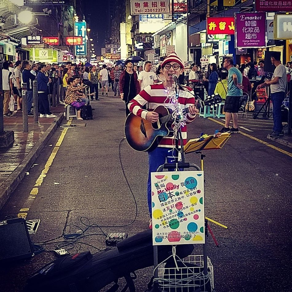 Night Outdoors Men Crowd People Eyeeyemphoto EyeEm Best Shots Mr Wally Japanese  Performance Buskin' Mongkok Streetportrait Streets Explorer City Performer
