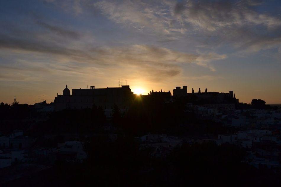 Castle Castello Di Oria Castello FedericoII Tramonto Panorama Comebelloilmondovistodallalto Monte Altezza CIMA #silohuette #puglia #italy #sud #meridione #angolidavisitare