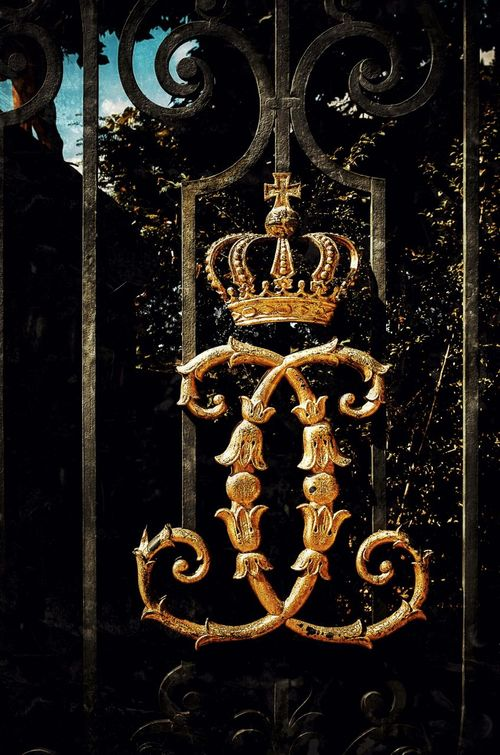 ♔ROYAL♔ At The Gate Preußisch
