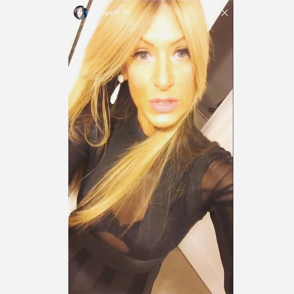 Everyday is a wonder ! Looking At Camera Long Hair Beauty Beautiful Woman Happiness Model London Photographer Live Music Singer  Musician Free Spirit Braziliangirl Lips #love #smile #pink #cute #pretty Rockchick Blondie Bands Fitness Essex Employ Me! Uniqueness Fun