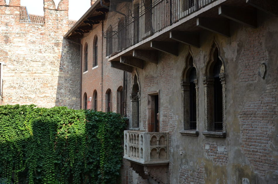 Juliet balcony Architecture Architecture EyeEm Best Shots EyeEm Gallery Italy Juliet Balcony Old Buildings Travel Travel Photography Verona