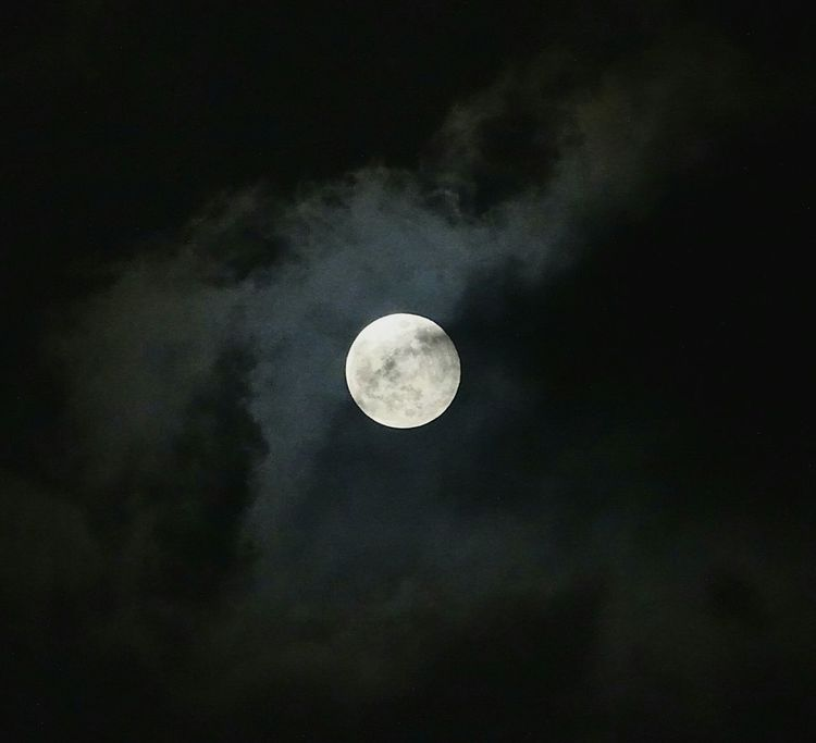 Moon Full Moon Night Astronomy Moon Surface Planetary Moon Nature No People Scenics Space Exploration Outdoors Sky Beauty In Nature Half Moon Space Close-up EyeEmNewHere EyeEm Best Shots Tranquil Scene Clouds Astrophotography Misty Landscape EyeEm Selects