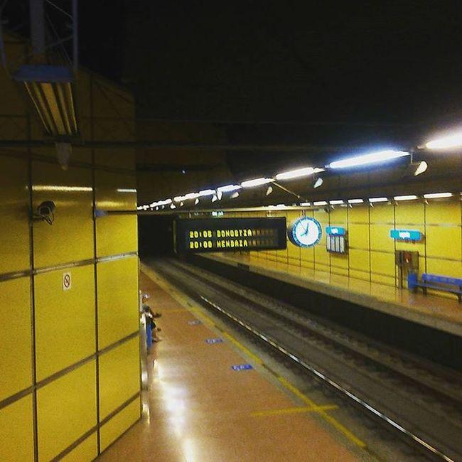 En el metro de Donostia Topo