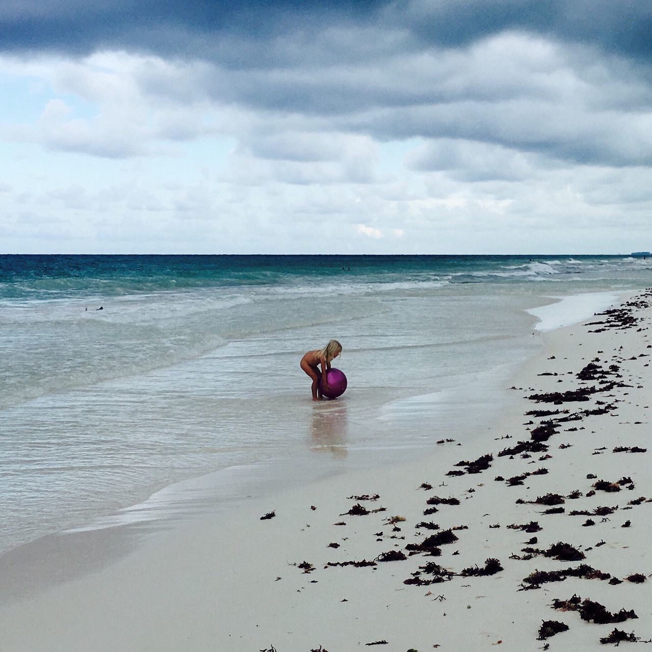 Lil girl playing at the beach. Tulum , Rivera Maya. Sea First Eyeem Photo