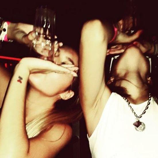 Νηφάλιες ξεκάθαρα.Drinking like a fish φάση.🐟 Roofbar αθηνούλα FridayLove Fridaynight Friends Havingfun Nightout Mygirls MyLoves Drinkinglikeafish αλκοολικέςψυχες σαςαγαπωβαθιά Loveisoverrated Feelthelove VSCO Vscocam Vscofriends Vscomood Vsconights Vscoaddict Instagreece Instamood Instaathens Instalove Instalifo