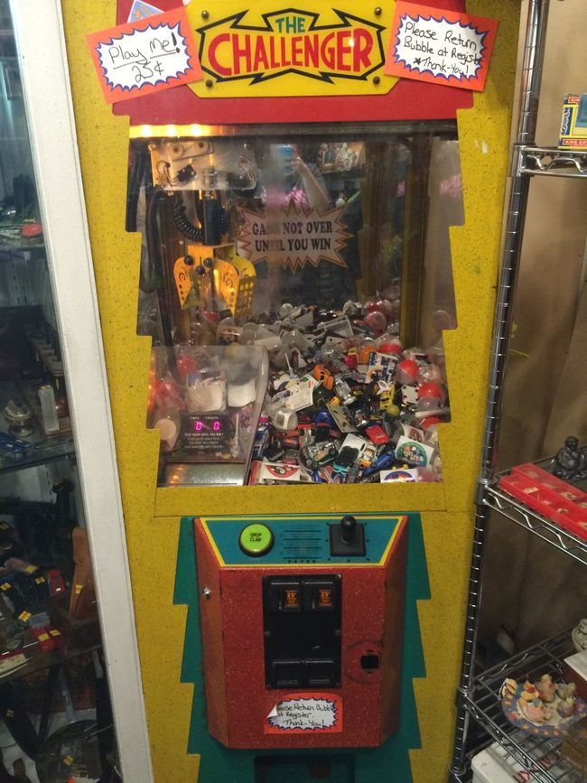 Iam Photography Mobilephotography Entertainment Funandgames Citylife Friends Life Memories Crane Oldmarket Toys Antiqueshop