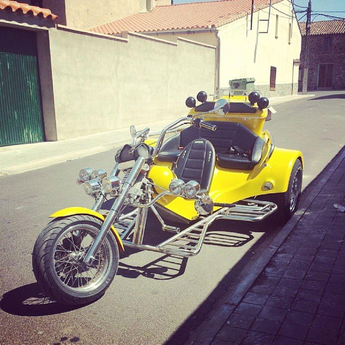 Vehiculo  Triciclo Moto en Saceruela Ciudadreal @carrlafdez