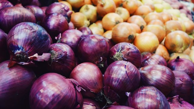 Onion Red Onion Spanish Onion Vegetables Fresh Eat Farmers Market Market Organic Organic Food