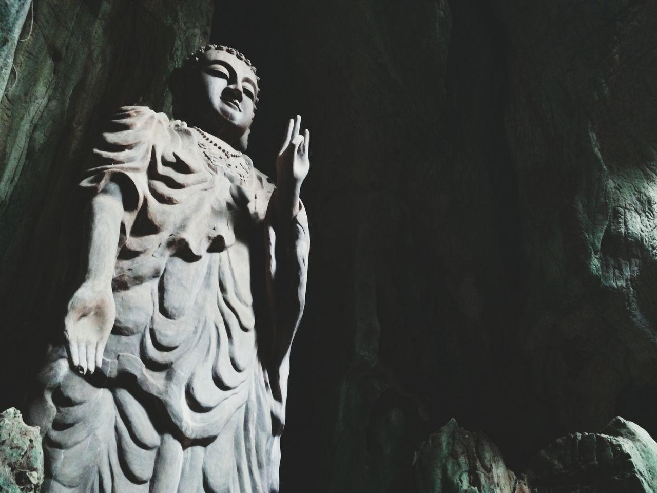 Tịnh 🙍 Travel Danang Vietnam Buddha Statue Cave Shade Lights Nguhanhson Pagoda Culture