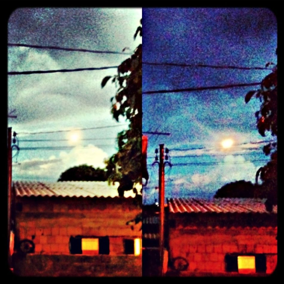 Ta vendo essa lua que brilha aqui no céu ?? Lua  Luacheia Taking Photos Hello World