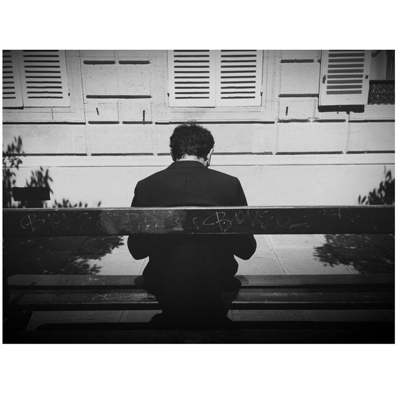 Mobile Camera Club Mobilecameraclub The SmART Gallery Black & White Blackandwhite B&w Blackandwhite Photography Parisian Lifestyles City Street EyeEm Best Shots Street_photo_club Everybody Street Everybodystreet Streetphotography Paris City IPhoneography Taking Photos City Life Photo Of The Day AMPt - Shoot Or Die Smartphonephotography Parisian Connexion Wearethestreet