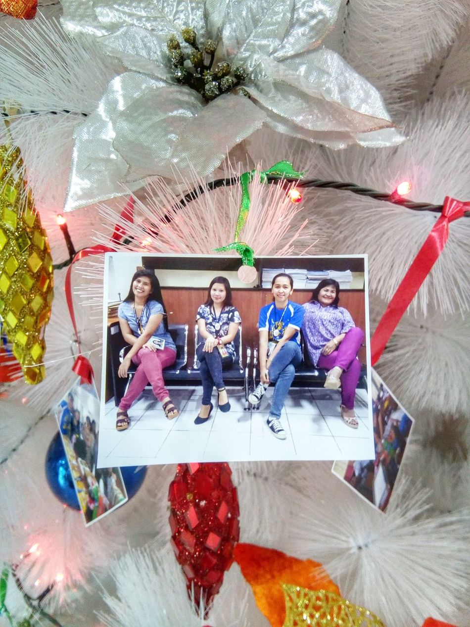 Christmas Group Picture Single Ladies Happiness Smile Picture Christmas Decor. Decor Ribbon White Christmas Christmas Lights Decoration White Frame Picture Frame Office Employees Employee Christmas Picture Photo