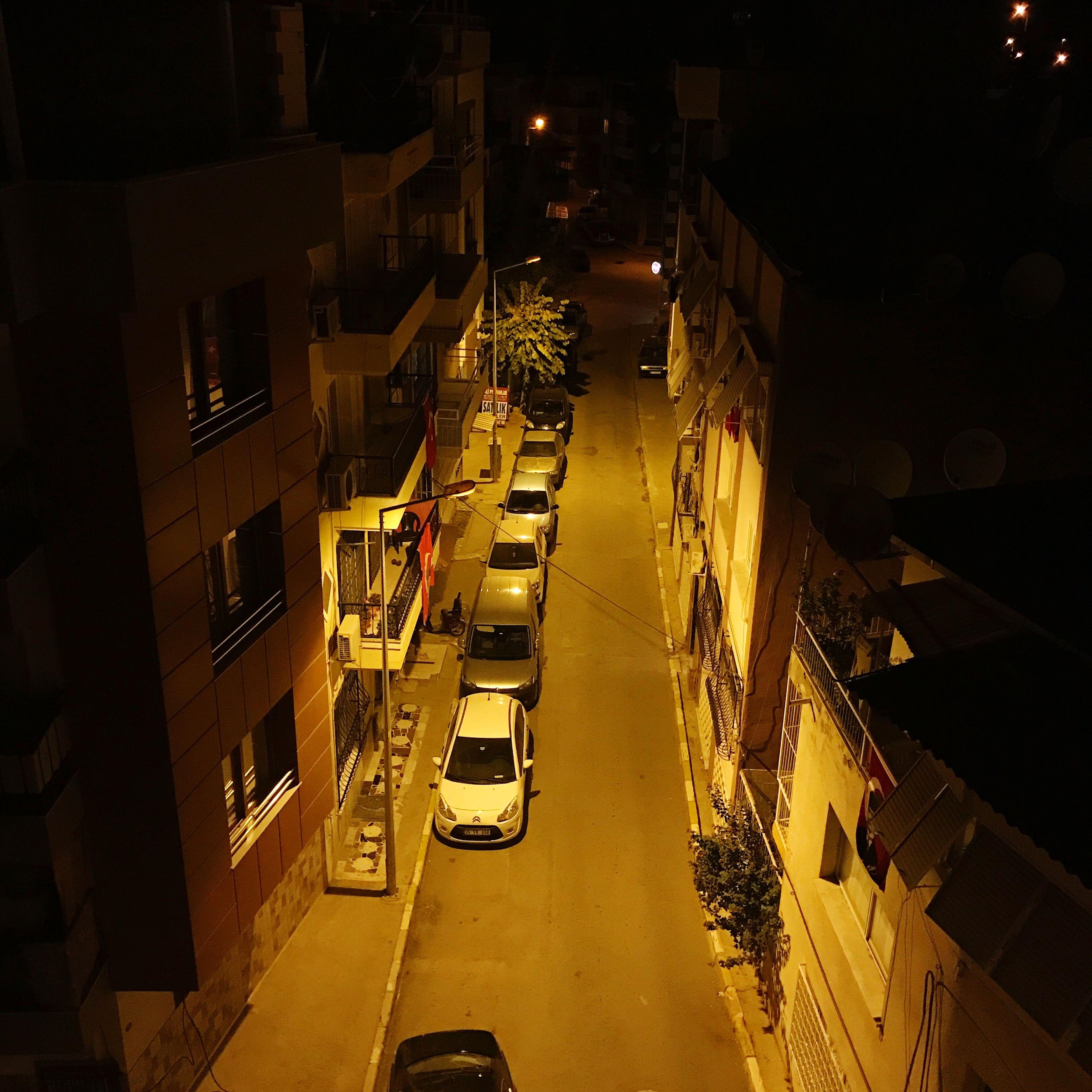 Night Nightphotography Streetphotography Street Unemployed Unemployednight Turkey Cars Streetlamp City 💡🚗