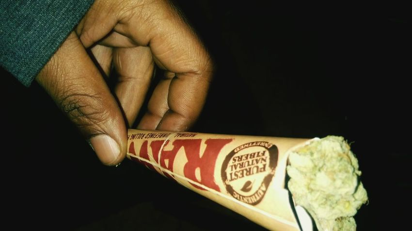 Smoking Weed Raw Papers Stoner Life High Times Loud Pack Blowin Loud Weed