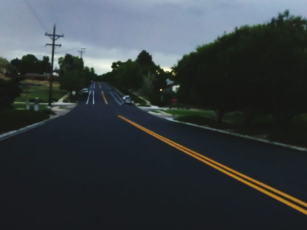 transportation, the way forward, diminishing perspective, road, no people, outdoors, day, sky, tree, nature