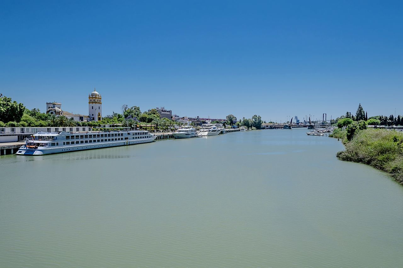 Guadalquivir River Panoramic View Yachts Boats River Water Turism Travel Destinations Palm Trees Trees Outdoor Capture The Moment Personal Perspective From My Point Of View Break The Mold The Street Photographer - 2017 EyeEm Awards Pavilion Of Argentina Expo Of 1927 In Sevilla The Secret Spaces EyeEm Diversity The Great Outdoors - 2017 EyeEm Awards TCPM Sky The Photojournalist - 2017 EyeEm Awards EyeEmNewHere Sevilla Spain