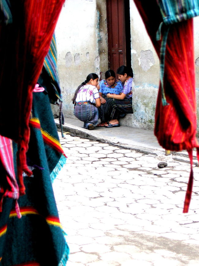 Antigua Guatemala Daily Life Guatemala Having A Talk On The Street Peeking Street Photography Traditional Clothing Up Close Street Photography