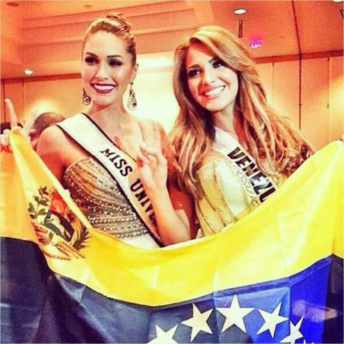 AGAIN GO GO GO GO !! Venezuela?❤? Missuniverse Missvenezuela Missuniverse2014 Beautiful venezuela miami doral love missuniverso missuniverso2014 beauty queen makeup backtoback colombia style miss migbeliscastellanos fashion missuniverse2015 pageant repost nationalcostume girl usa missusa vam8svzla fiuarena belleza charlotte