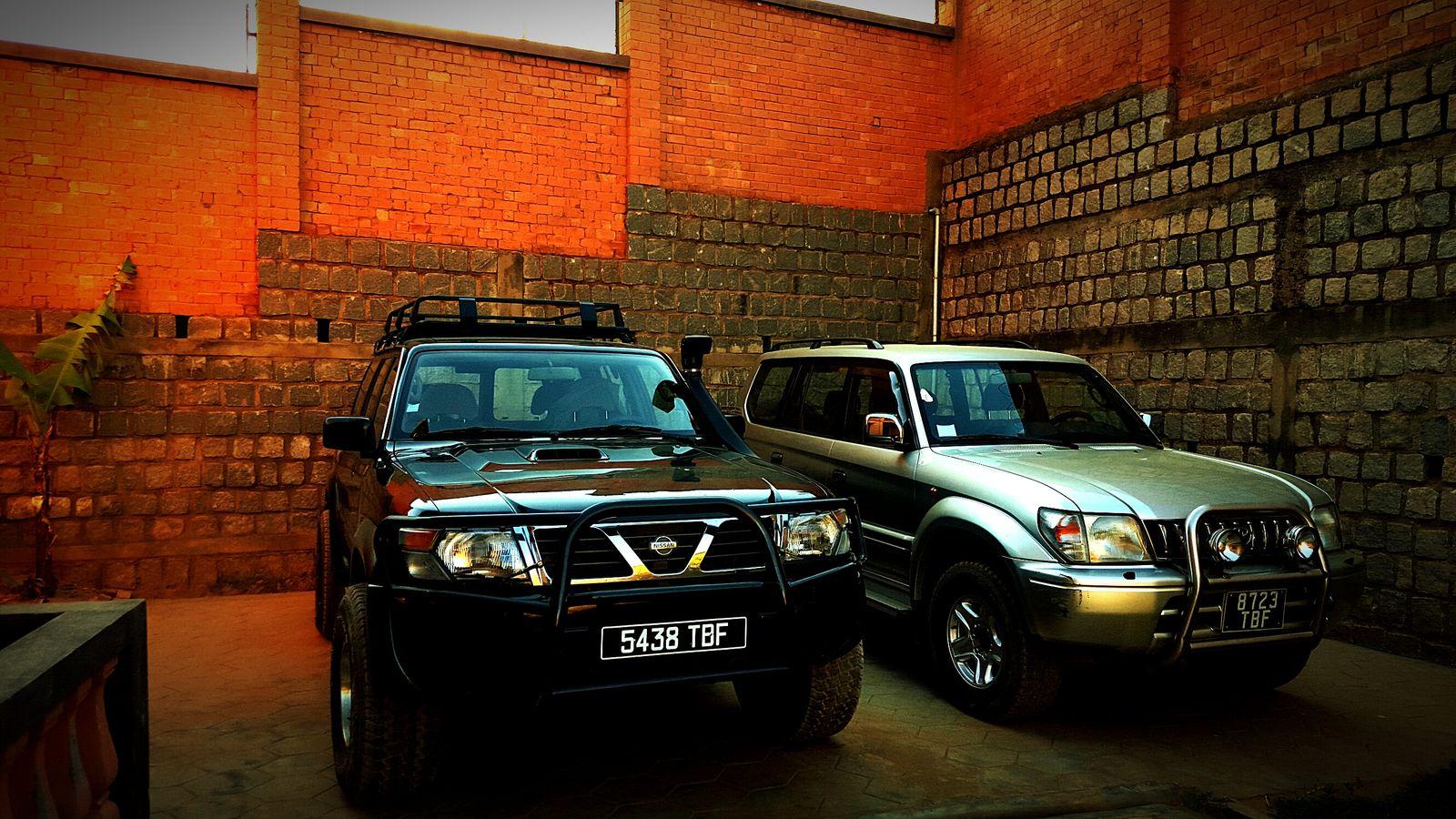 Patrol 99 vs prado 99 Land Vehicle Car Motor Vehicle Nissan Nissan Patrol Toyota Toyota Landcruiser Toyota Land Cruiser Prado Y61 4x4wd 4x4
