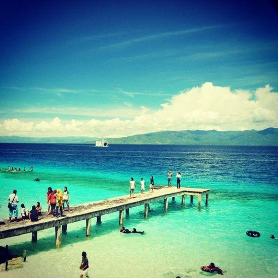 Hunimua beach. Ada yang tertarik untuk melompat dari jembatan itu siang ini? CentralMaluku AmbonIsland Maluku  SpicesIsland beach Holiday AyokeMaluku