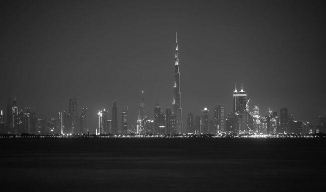 Tower Burj Khalifa Dubai City Cityscapes Hello World Growing Blackandwhite Monochrome
