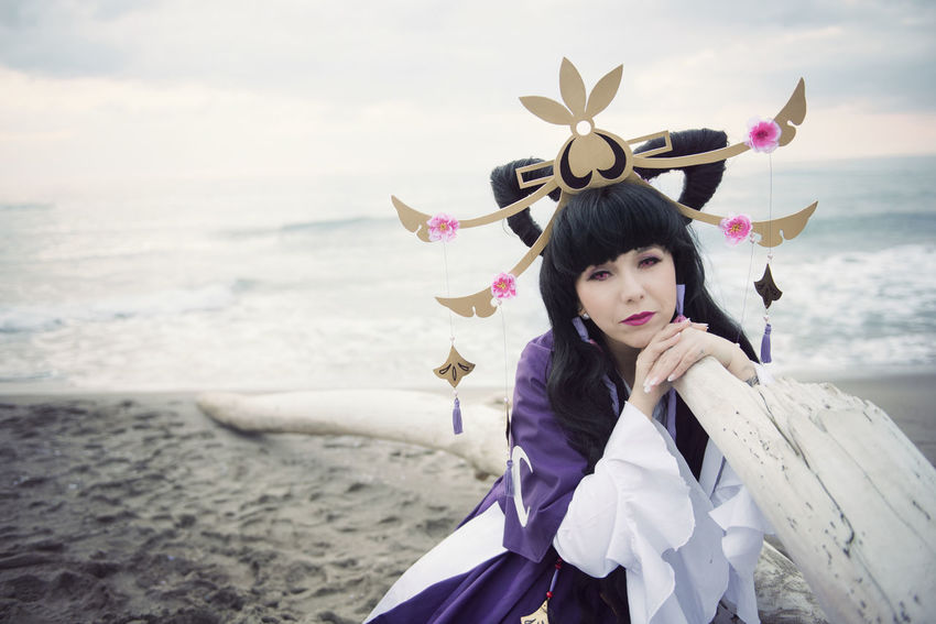 Princess Tomoyo from Tsubasa Reservoir Chronicle Cosplay by Alice Tognetti Beach Cosplay Cosplay Photography Cosplay Shoot Cosplayer Cosplaygirl Cosplaying Dress Inverno Love Mare Model Modeling Passion Photomodel Princess Principessa Shooting Tomoyo Tsubasachronicles Wig Winter Wintertime