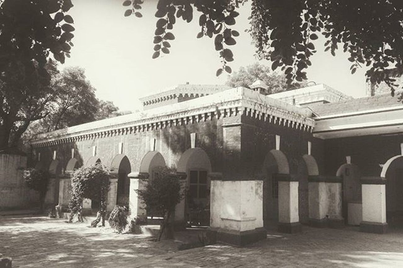 بس کہ اپنے کام سے محبت کا باقی رہ جانا SirGangaRam Home History 100yearsold Indianhistory Civilengineer FatherofmodernLahore Insprational Legendary Film Documentary Dop Cinematography