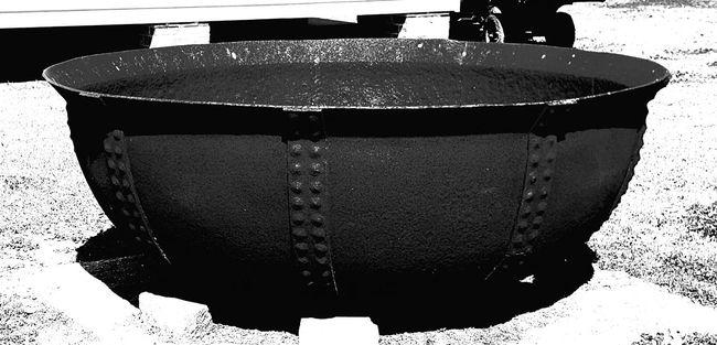 Big Metal Po Cast Iron Sugar Po Melting Pot Metal Old-fashioned Plantation Sugar Pot Southern Sugar Po Southern Traditio Sugar Cane Cooking P Sugar Cane Po Sugar Pot