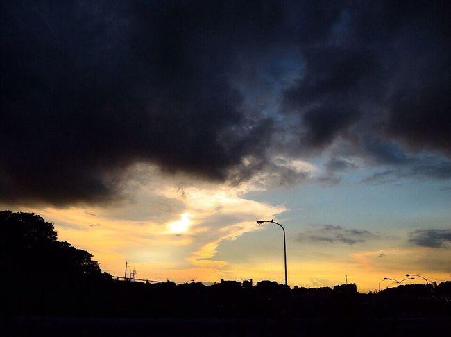 お疲れ様。 NikonP330 Twilight Afterglow 夕暮れ時 おつかれさま