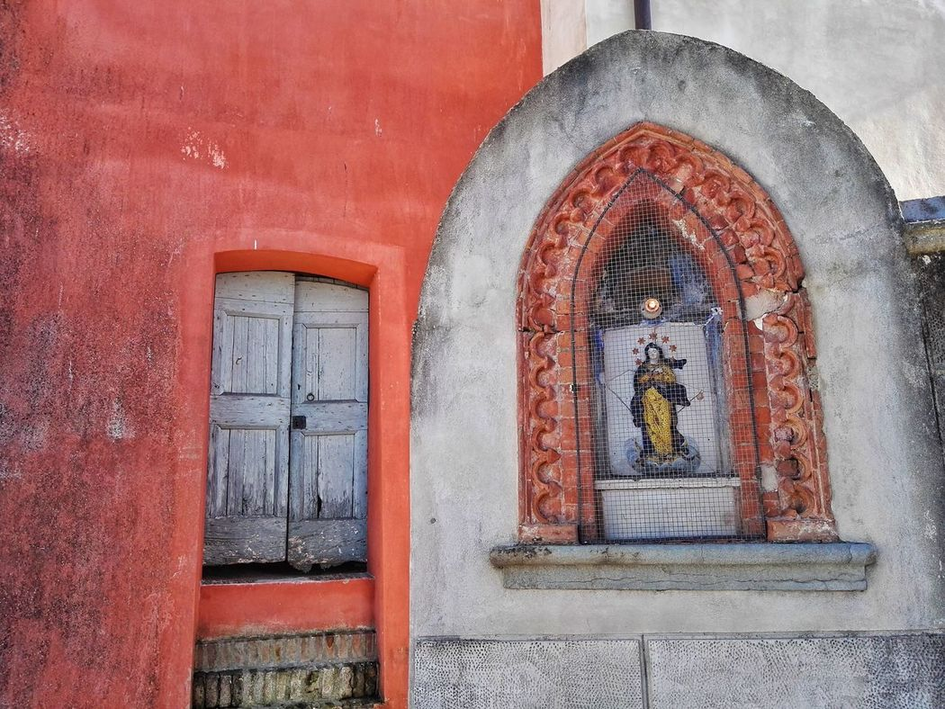 No People Built Structure Architecture Red Arch Day Window Indoors  Maria Spirituality Spiritual Religion Religious Architecture Architecture Old Buildings Old House Old Town Architectural Detail Door Old Door Wooden Door Peccioli Cristianity Cristian Religious