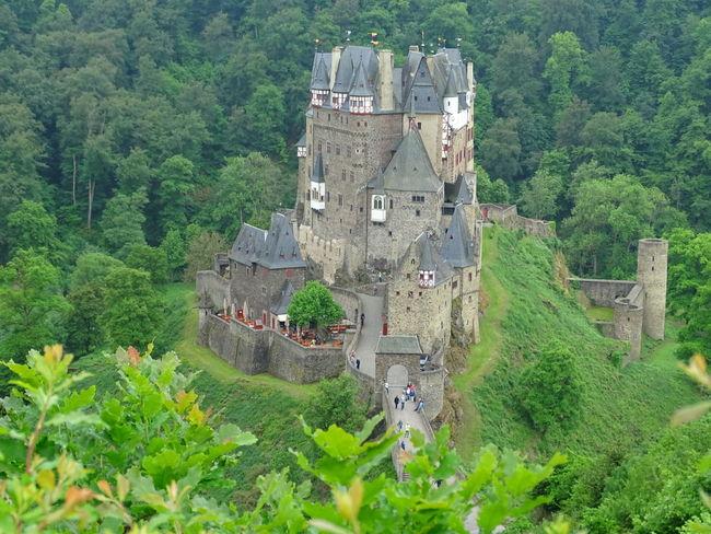Burg Eltz Burg Eltz Castle Castles Castle View  Castle In Germany Beautiful Castle Beautiful Castles In Europe Beautiful Buildings Beautiful Nature