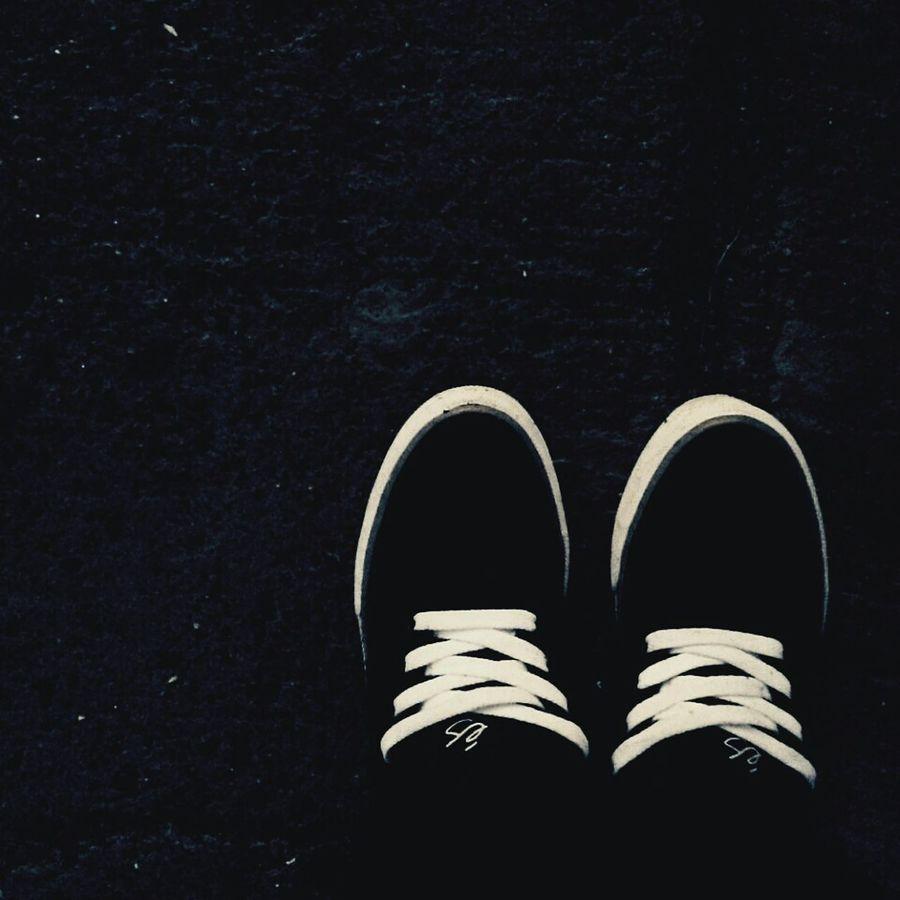 061015 Es Edgar Skateshoes  on Rainy Day