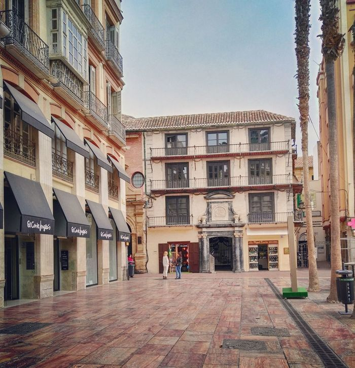 Málaga. Spain ✈️🇪🇸 Photo Of The Day España🇪🇸 Mobilegraphy Huawei Mobilephoto Mobileart Malagacity Mobilephotography Andalucía Color Photography Huaweig8 Malaga Mobilegrapher Fresh On Eyeem  Building