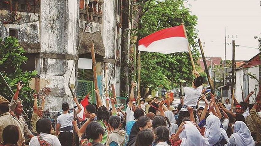 "The Republicans lost much of their manpower, but it was the loss of weaponry that would severely hamper Republican military efforts for the remainder of the independence struggle. The battle for Surabaya was the bloodiest single engagement of the war, and demonstrated the determination of the rag-tag nationalist forces; their sacrificial resistance became a symbol and rallying cry for the revolution. It also made the British reluctant to be sucked into a war, considering how stretched their resources in southeast Asia were during the period after the Japanese surrender; within a few years, in fact, Britain openly supported the Republican cause in the United Nations. It was also a watershed for the Dutch as it removed any doubt that the Republic was a well-organized resistance with popular support. In November 1946, the last British troops left Indonesia. The ""Heroes of the 10 November"" statue in Surabaya commemorates this battle. 10 November is now commemorated in Indonesia as ""Heroes' Day"", in memory of the battle. The Scottish-American Indonesian sympathiser K'tut Tantri also witnessed the Battle of Surabaya, which she later recorded in her memoirs Revolt in Paradise. Prior to the fighting, she and a group of Indonesian rebels associated with Bung Tomo had established a secret radio station in the city which broadcast pro-Indonesian Republic messages that were directed at the British soldiers in the city. She noted that several British soldiers were unhappy with the Dutch for misleading them about the Indonesian Republicans being Japanese puppets and extremists. Following the British bombardment of the city, Tantri contacted several foreign diplomats and commercial attaches from Denmark, Switzerland, theUnion of Soviet Socialist Republics, andSweden. These countries had representatives in Surabaya. They agreed to inform their respective governments about the fighting in Surabaya and to take part in a joint broadcast protesting the British military operations. Historical History Worldwar2 Battleofsurabaya 10november England Deucthland Drama Dramakolosal Colosal INDONESIA Surabaya"